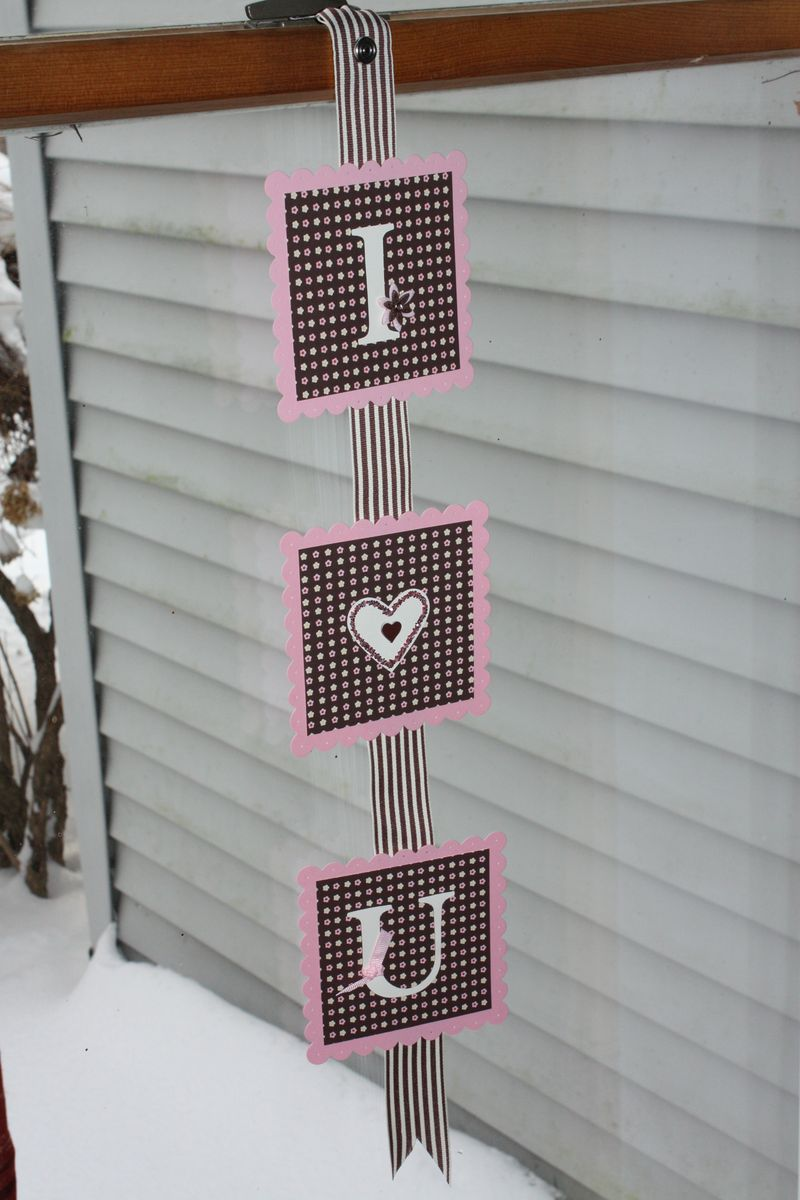 Valentine garlands and calendars (9)