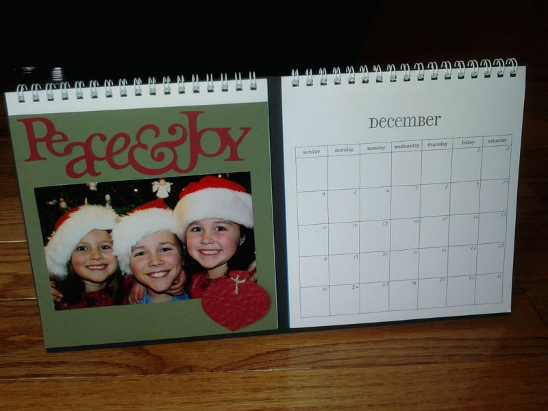 2011 desktop scrapbook calendar dec